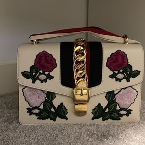 [BNIB] Gucci Sylvie Embroidered Shoulder Bag